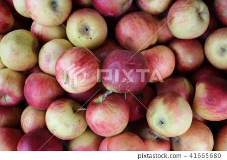 Apple in the market 41665680
