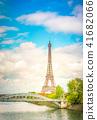 eiffel tour over Seine river 41682066