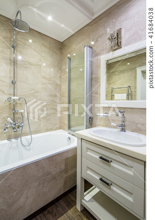 Bathroom in classic style 41684038