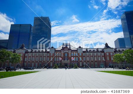 东京站丸之内站大厦和蓝天 41687369