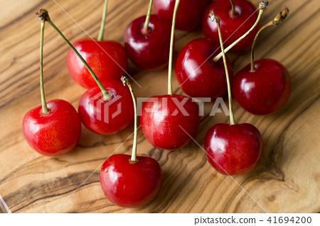 Cherry 41694200