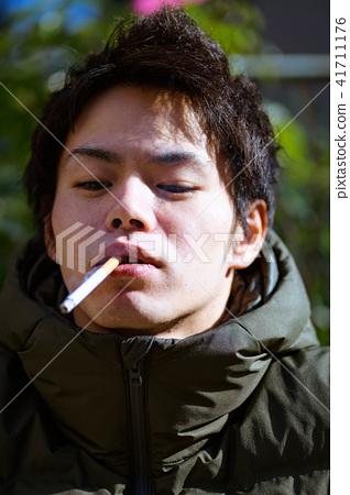 남자 일본인 흡연자 41711176