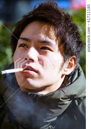 남자 일본인 흡연자 41711180