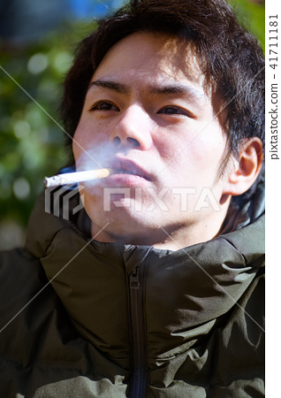 남자 일본인 흡연자 41711181
