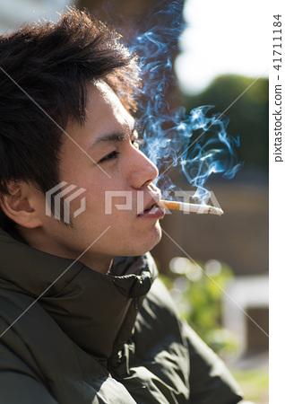 남자 일본인 흡연자 41711184