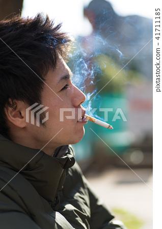 남자 일본인 흡연자 41711185