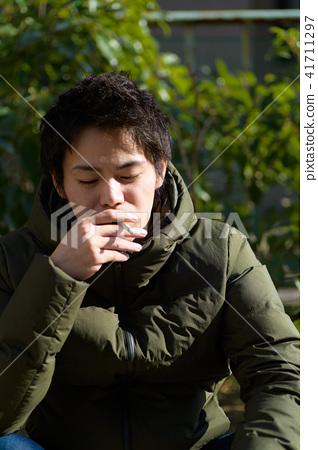 남자 일본인 흡연자 41711297
