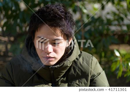 남자 일본인 흡연자 41711301