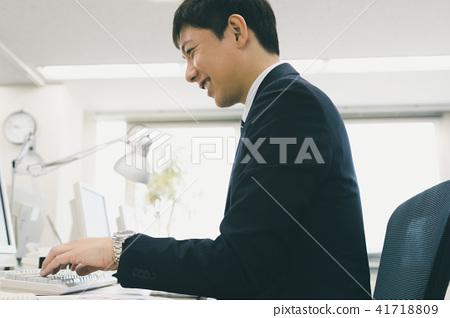 직장인, 컴퓨터, 비즈니스 41718809