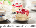Cheesecake with strawberries, blueberry and jelly 41756480