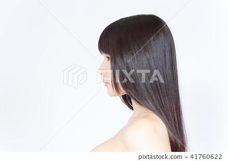 一個年輕成年女性 女生 女孩 41760622