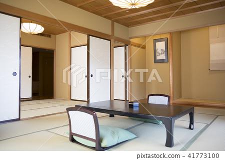 簡約的日式客房 41773100