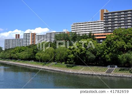 Yashio Park Town seen from the Katsushima Bridge 41782659