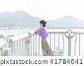 觀光平台 一個年輕成年女性 女生 41784641