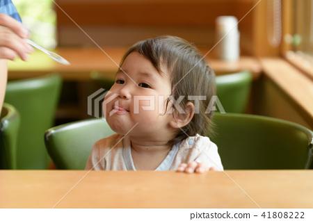 가족 유아 원아 아기 1 세 41808222