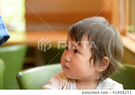 가족 유아 원아 아기 1 세 41808251