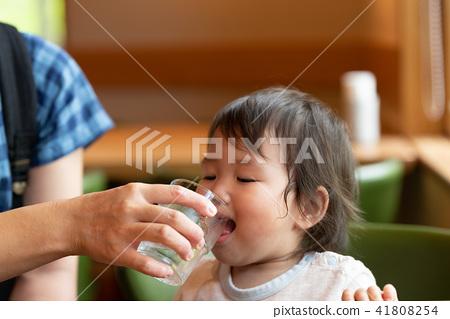 가족 유아 원아 아기 1 세 41808254
