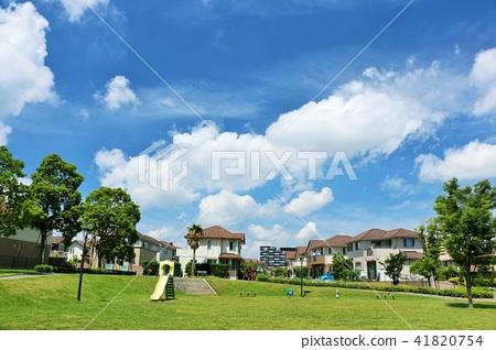 藍天和公園的街道 41820754
