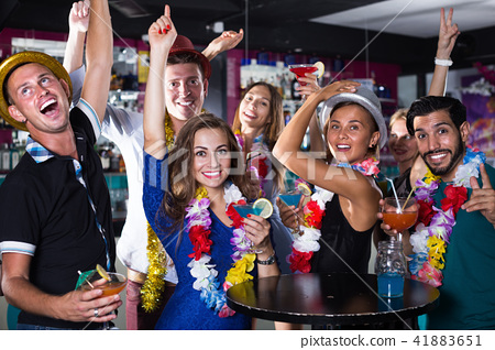 Company of young people friends on hawaiian party 41883651