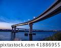 미에현 욧카 이치 항에 새로 생긴 다리 이나바 포트 라인의 야경 41886955