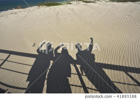沙灘上的影子-北海岸及觀音山國家風景區 41893188