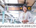 수석 역 여성 액티브 시니어 촬영 협조 게이오 전철 주식회사 41898120