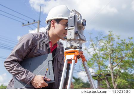 Engineers survey 41925586