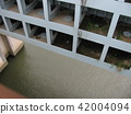 Geometric flood gate 42004094