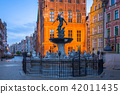 Fountain of the Neptune in old town of Gdansk 42011435