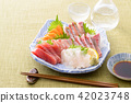 生魚片和白酒 42023748