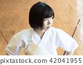 成熟的女人 一個年輕成年女性 女生 42041955