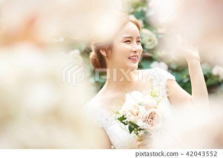 女性新娘形象 42043552