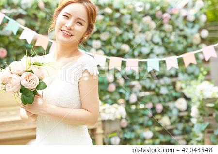 女性新娘形象 42043648