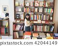 ผู้หญิงในร้านหนังสือ 42044149