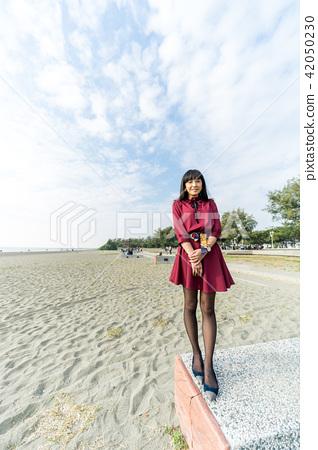 亞洲台灣台南安平觀夕平台海邊沙灘海水女人女性女孩模特兒肖像人像 42050230
