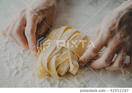 Chef making traditional italian homemade pasta 42052287