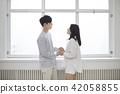 커플,신혼부부,부부,라이프스타일,일상,스킨쉽,손잡기 42058855