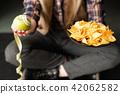 fast food bad nutrition habit chips apple choice 42062582