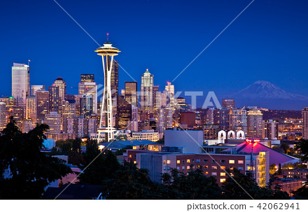 Seattle skyline at dusk 42062941