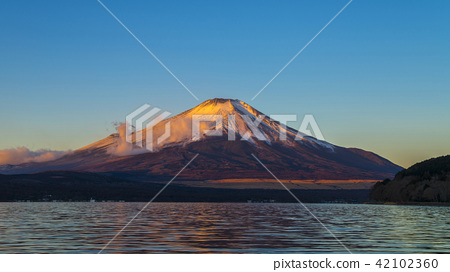 富士山16:9在晨光中 42102360