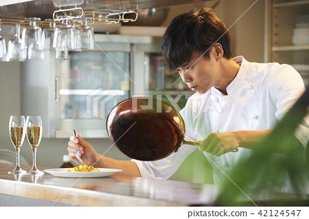一位廚師 42124547