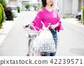 자전거 쇼핑 주부 42239571