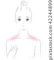 肩が日焼けした女性 42244899