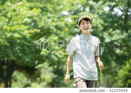 中間女性高爾夫球運動圖像 42255044