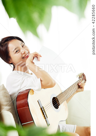 싱글라이프 가수의 하루 취미생활  42285660