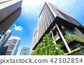 許多綠色辦公室街道風景 42302854