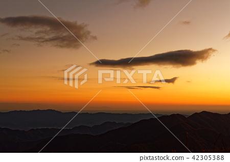 道志 산지 · 지금 倉山에서 보는 새벽 관동 평야 42305388