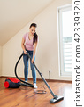 woman, cleaning, housework 42339320