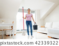 woman, mop, cleaning 42339322