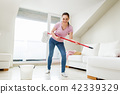 woman, mop, cleaning 42339329